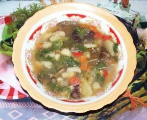 суп с крапивой и грибами.